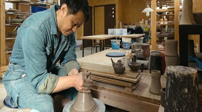 A well-settled Pottery business: is it going to work?
